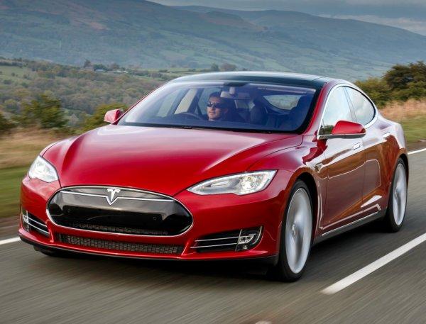 Власти Германии потребовали от владельцев Tesla Model S вернуть субсидии