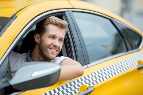 В России могут лицензировать водителей такси