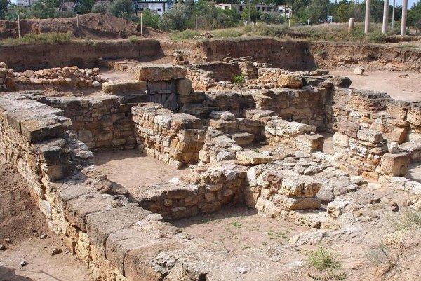 Археологи обнаружили руины потерянной церкви в Новгороде