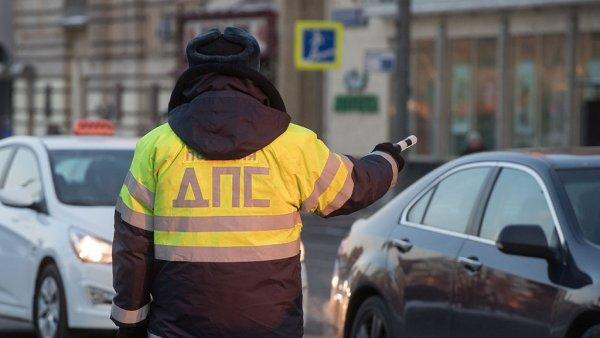 Пьяный водитель сбил полицейского на трассе под Марксом