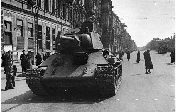 Жители Санкт-Петербурга увидят реконструкцию битвы за Ленинград
