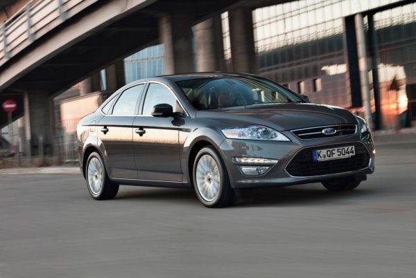 В РФ в 2018 году выросли продажи поддержанных авто через официальных дилеров