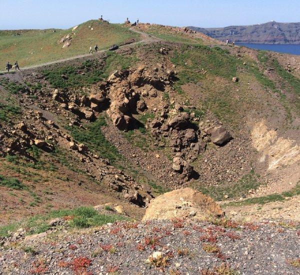 Уничтожившее Атлантиду извержение вулкана произошло на столетие раньше, чем думали ученые