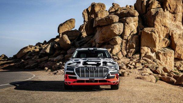 Состоялся первый тест-драйв нового электрического кроссовера Audi E-Tron