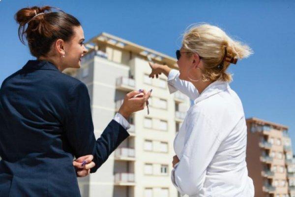 У кого покупать квартиру – застройщик или риелтор