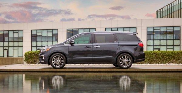 Автоблогер рассказал о плюсах и минусах нового универсала Renault Espace