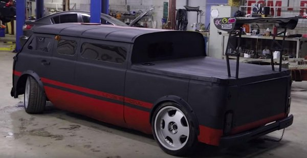 «Дикая Буханка»: Умельцы показали «самый бешеный тюнинг» УАЗ-452