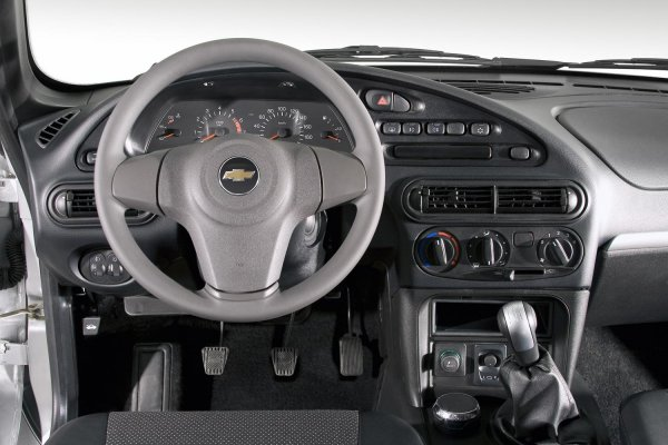 «За что такие деньги!?»: Блогер возмутился стоимости нового Chevrolet Niva в базовой комплектации