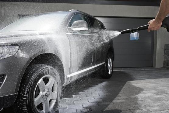 В Тюмени постоянного клиента обчистили на автомойке