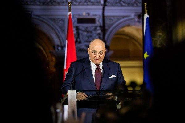 Президент ЕЕК Вячеслав Моше Кантор отметил заслуги Себастьяна Курца в борьбе против антисемитизма