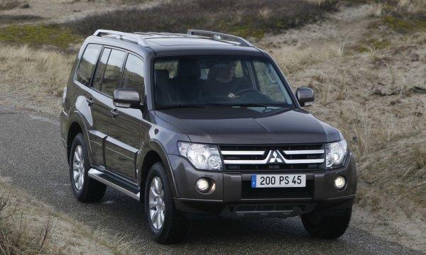 Почему «Паджеро» лучше «Прадо»: О плюсах и минусах Mitsubishi Pajero IV рассказал эксперт