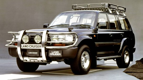 «Монстр-Крузак»: Land Cruiser с колёсами от комбайна показали на видео