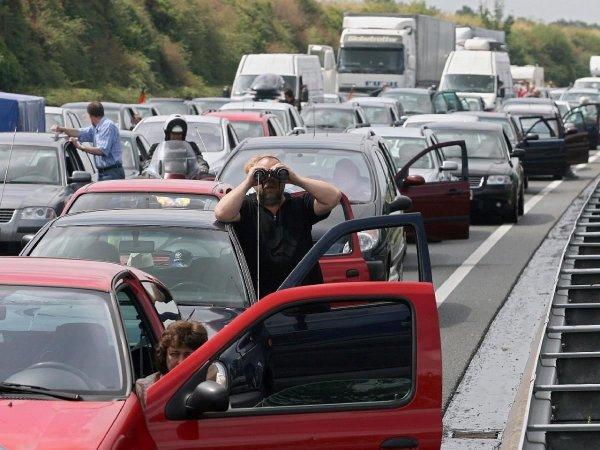 «Лосево возвращается»: Об огромной пробке на М4 «Дон» предупредили в сети