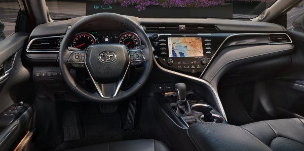 «Где качество?!»: Эксперт указал на недочёты Toyota Camry за 2,3 миллиона