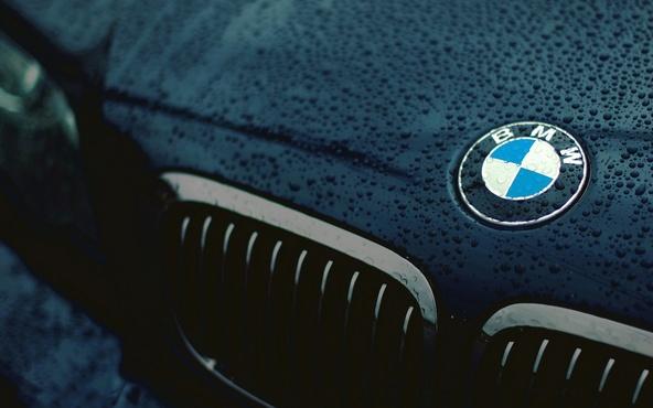 В Тюмени мужчина, задолжавший за коммунальные платежи, едва не лишился BMW