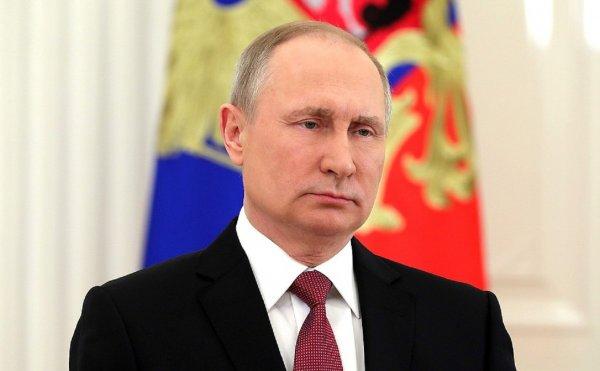 Путин осчастливил девушку из Красноярска новогодним подарком