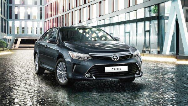 «Лучшее, что есть за 900 тысяч»: Блогер сменил Lexus на Toyota Camry V50 и рассказал об авто