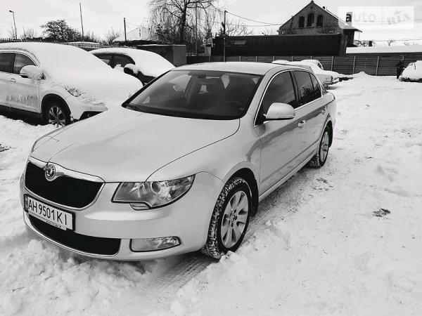 Бизнес-класс за 600 000 рублей: О самой дешёвой Skoda Superb с «вторички» рассказал блогер
