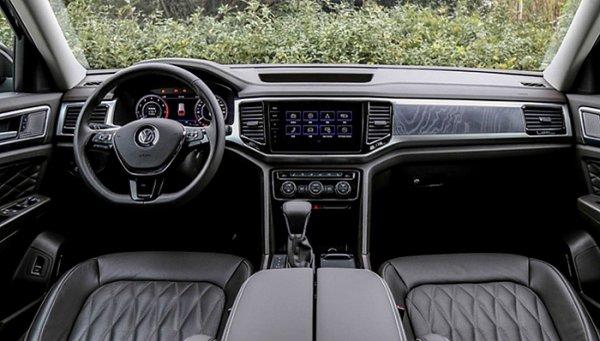 Интерьер кросс-купе Volkswagen Teramont рассекречен на фото