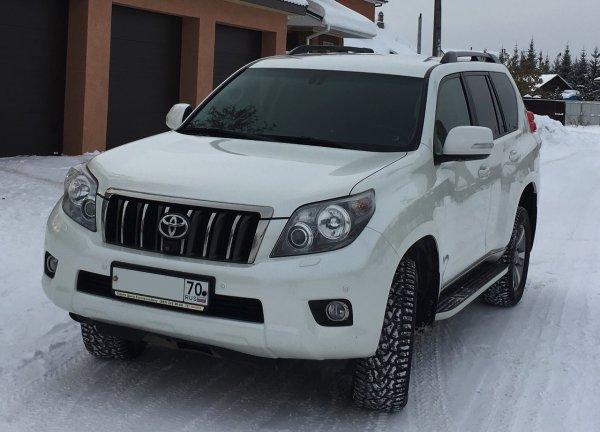 «Крузак» на службе ЖКХ: Очищающий снег Land Cruiser Prado попал на видео