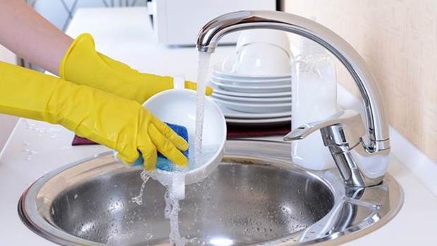 Роскачество назвало самое эффективное средство для мытья посуды