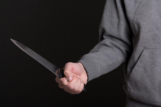 В Тюменской области мужчина поругался со своей дамой и ударил ее ножом