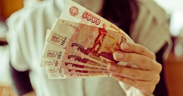 В Югре девушка вымогала деньги у школьницы из-за ее отношений с парнем