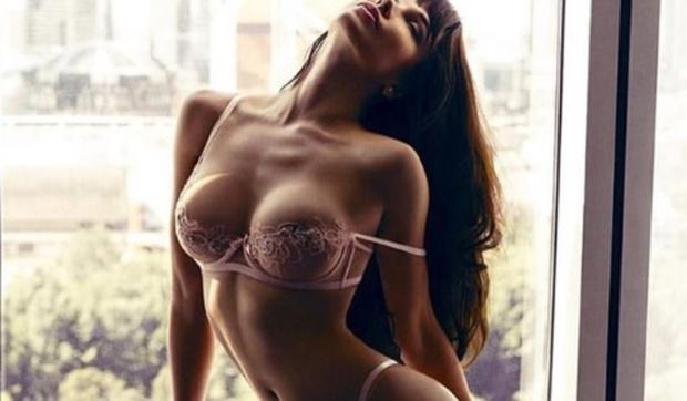 Российская модель показалась в пикантном нижнем белье