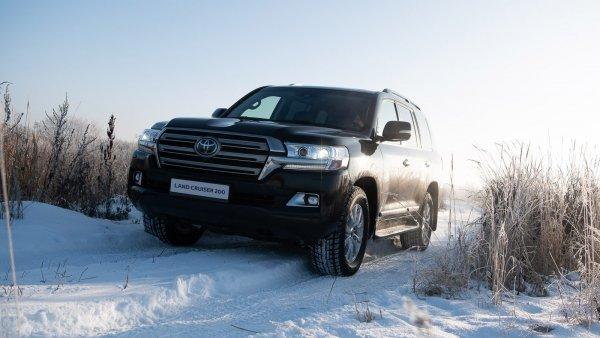 «Буханка не хуже Крузака!»: «УАЗик», Chevrolet Niva и LADA 4x4 сравнили с Land Cruiser в снегу