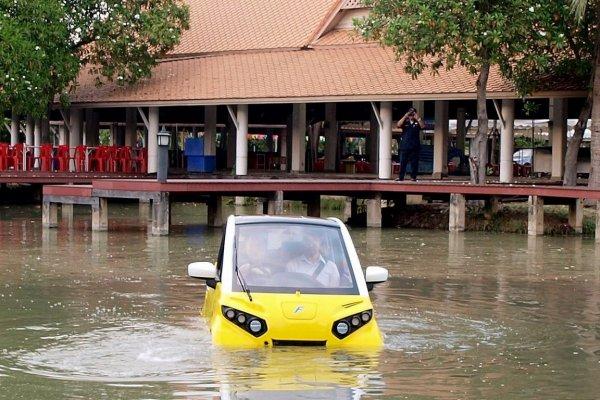 В Таиланде продается электрокар-амфибия для спасения от наводнений