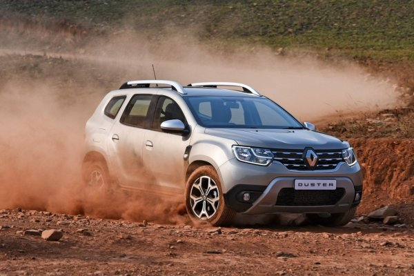 «Изменился ли Дастер?»: Блогеры сравнили Renault Duster 2016 и 2018 на бездорожье