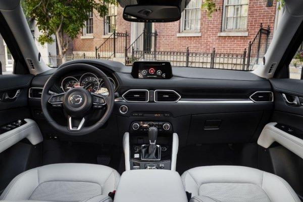 «Сложно оставаться лучшим»: Эксперт нашёл «ложку дёгтя» в идеальной Mazda CX-5