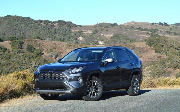 Неужели «Равчик» стал комфортным: О новом Toyota RAV4 2019 восторженно рассказал эксперт