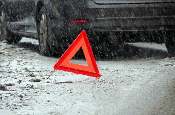 В результате столкновения на трассе в Прикамье погиб водитель