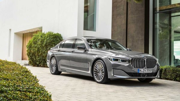 Новый BMW 7 Series больше не будут оснащать моторами V8 и V12