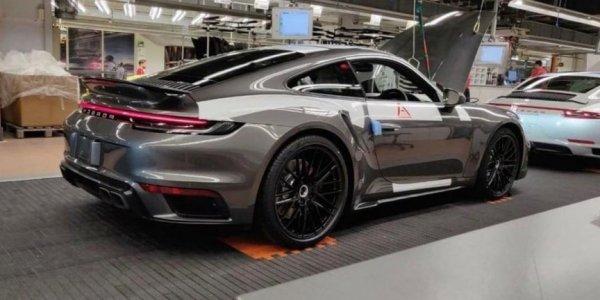 Новый Porsche 911 Turbo без камуфляжа появился в Сети