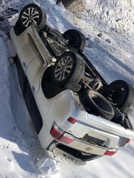 Был «Крузак», и нет «Крузака»: Жёсткое уничтожение Toyota Land Cruiser показали в сети