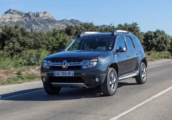 «Похож на побитого бегемота»: Блогер «разнес» Renault Duster в «грязном обзоре»