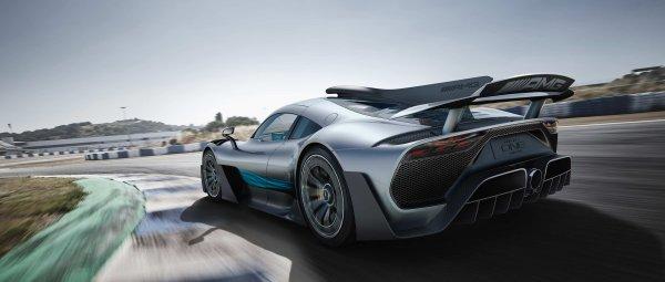 Суперкар Mercedes-AMG One может обзавестись спецверсией от Льюиса Хэмилтона
