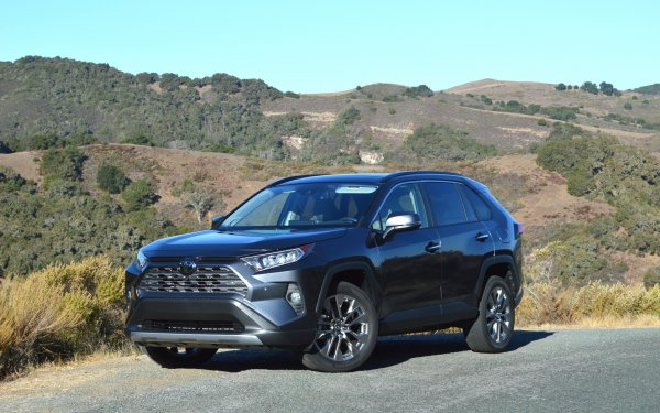 «Все в нем замечательно»:  Все о новом Toyota RAV4 2019 рассказал эксперт