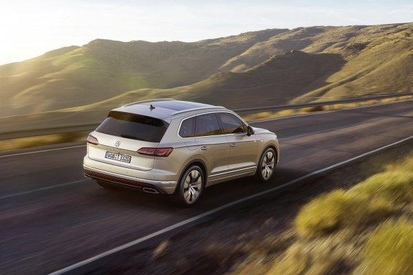 «Явный пафос»: Блогер снял чеcтный обзор на Volkswagen Touareg 2019