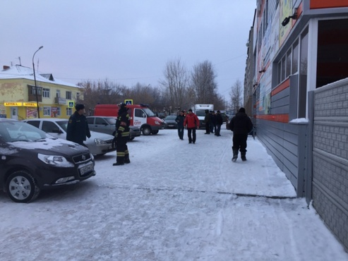 В Тобольске из торгового центра эвакуировали людей из-за трещины в полу