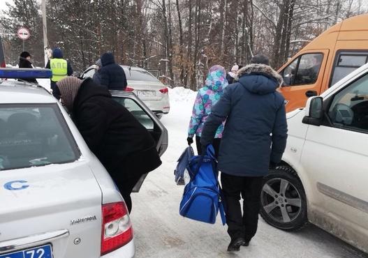 На тюменской трассе от обморожения спасли 5-летнего ребенка