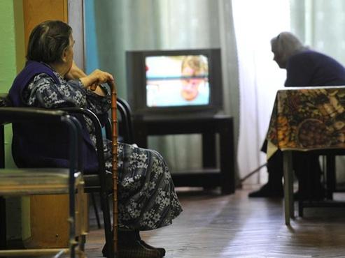 В Тюменской области серебряные волонтеры помогают перейти на цифровое телевидение
