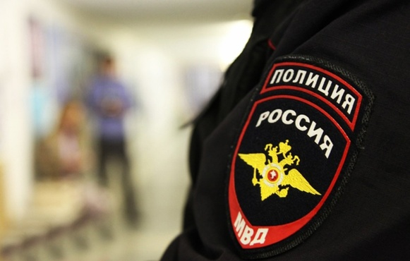 28-летнего прохожего ограбили на 420 тысяч рублей