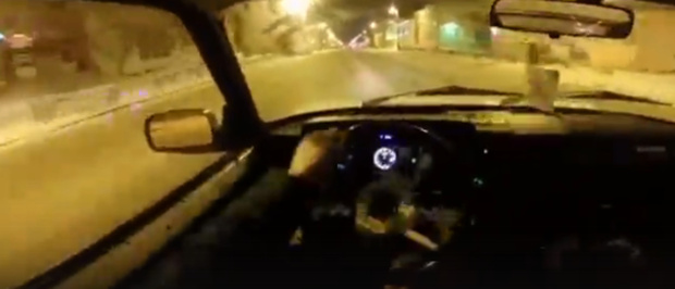 Дрифт от первого лица: тюменец устроил опасные гонки на улицах города - видео