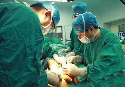 Тюменские медики лечат