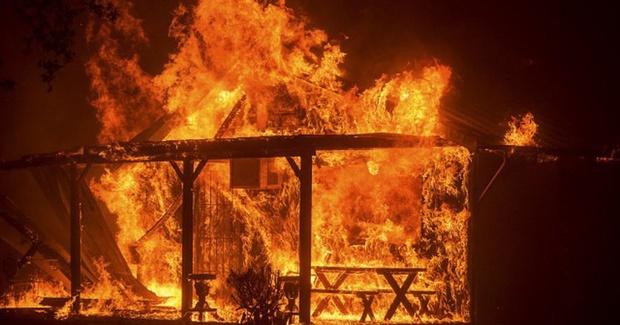 В Тюмени из-за мороза сгорел жилой дом