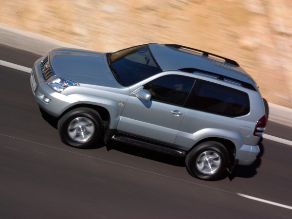 Купил «мечту» после езды на «Шниве»: О покупке Toyota Land Cruiser Prado рассказал блогер