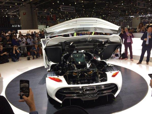 Компания Koenigsegg в рамках Женевского автосалона представила публике свой новый гиперкар Jesko